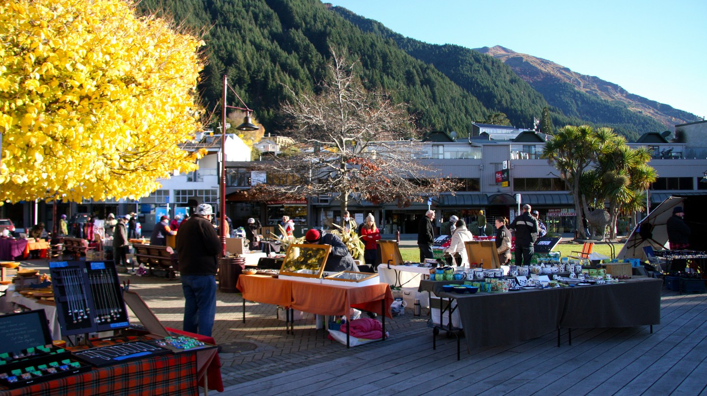 Saturday Market in Queenstown | © ItravelNZ/Flickr