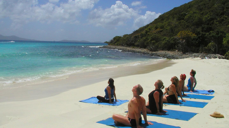 Yoga on the beach | © Katja Hasselkus / Flickr