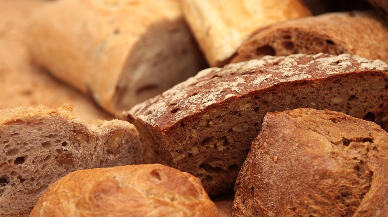 Bread | © Pexels https://static.pexels.com/photos/2436/bread-food-healthy-breakfast.jpg