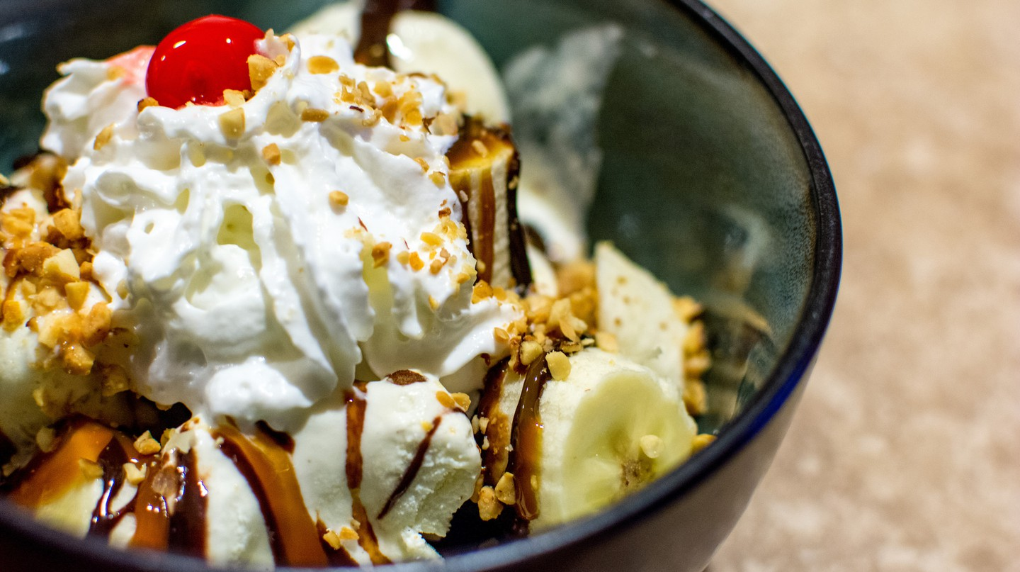 Indulge in an ice cream sundae | © UnknownNet Photography / Flickr