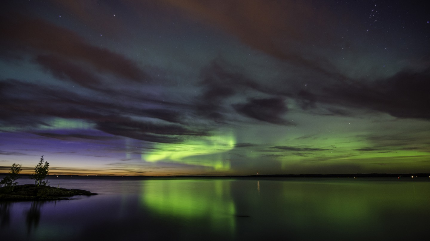 Northern Lights over Lake Tampere | © VisitFinland