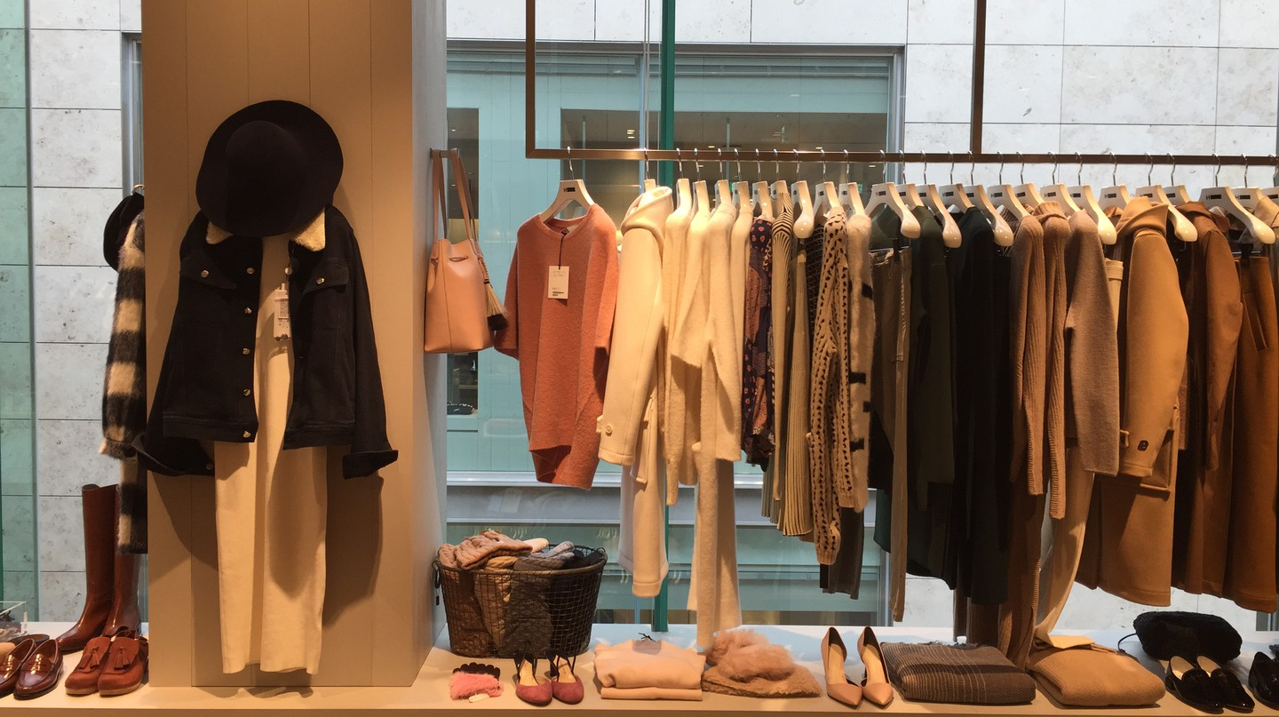 Boutique Shopping | © Tillie Adelson