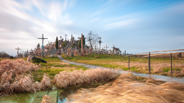 Hill of Crosses from afar | © Konstantin Yolshin/Shutterstock