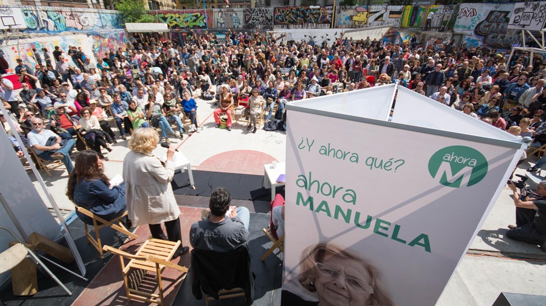 Manuela Carmena addresses a crowd in Madrid |© ahora madrid/Flickr