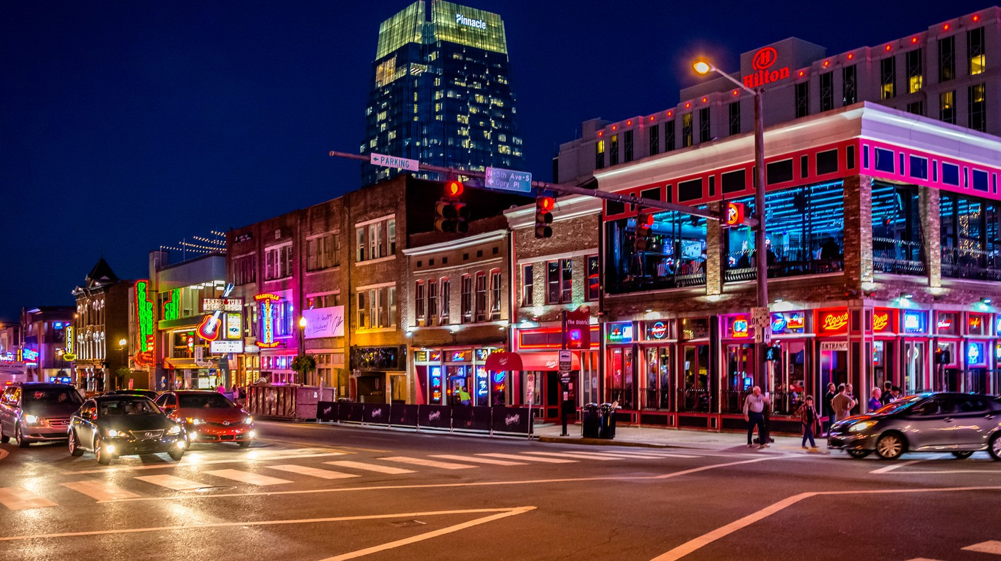 Downtown Nashville | © dconvertini / Flickr