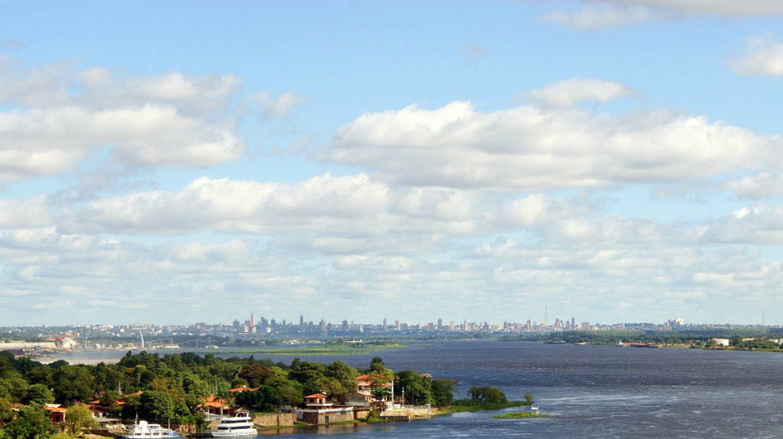 Asunción across El Río Paraguay © Aranha / Pixabay