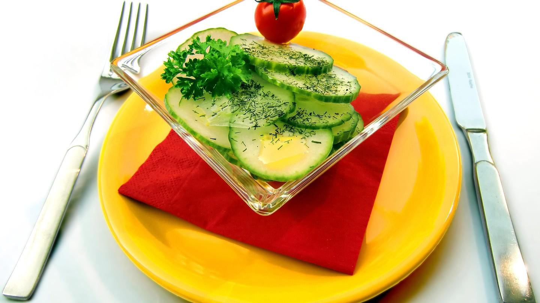 Fresh salads are a vital part of Bulgarian cuisine | Pixabay