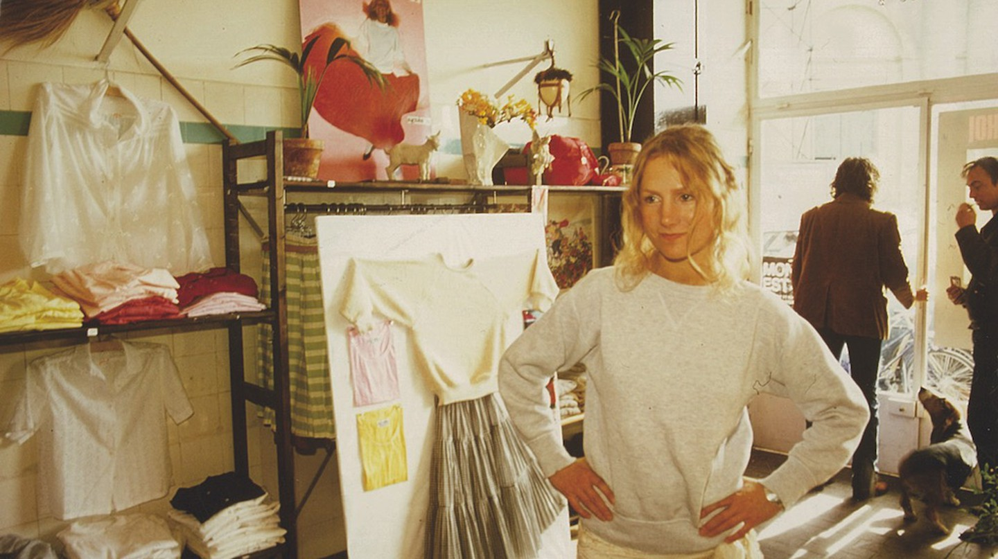 Agnès, in her boutique in rue du jour, 1976. | © Archives Agnès b.