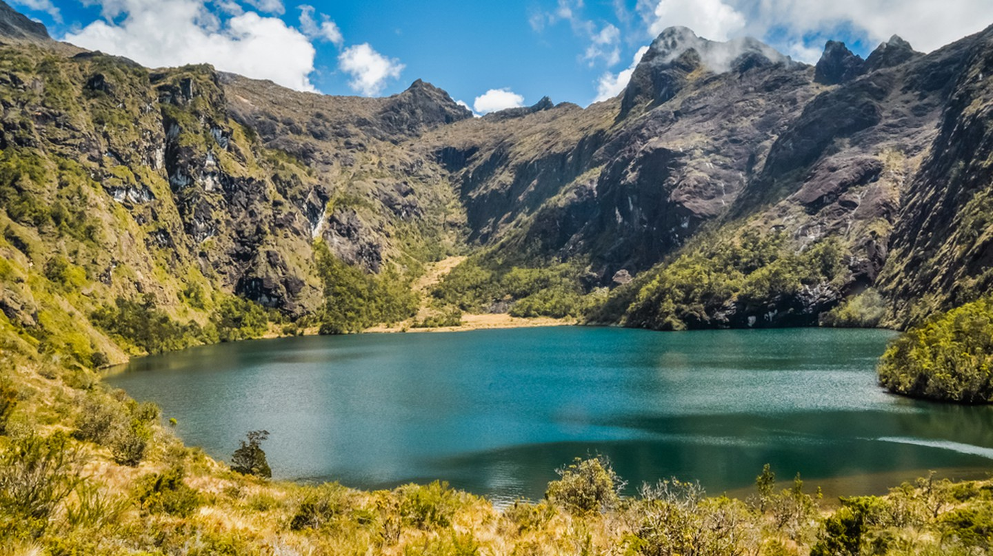 A lake near Mt Wilhelm, Papua New Guinea | © Michal Knitl / Shutterstock