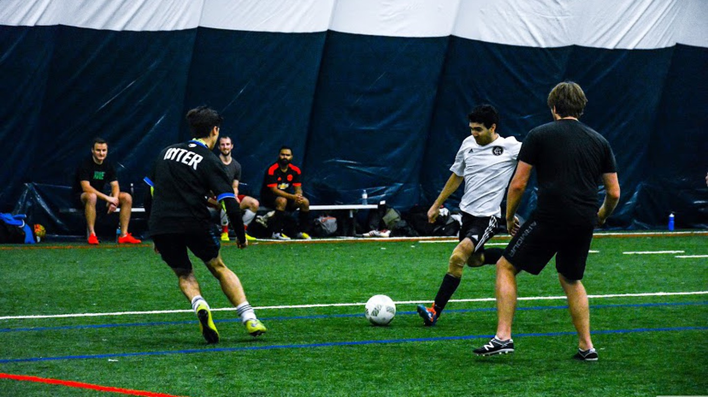 Game night with the Extreme Toronto Sports Club | Courtesy of XTSC