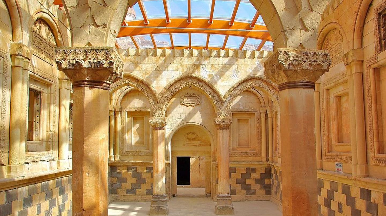 Ishak Pasha Palace | © Myararat83 / WikiCommons