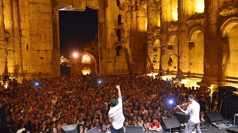 Mashrou' Leila performing in Baalbeck | © Mashrou' Leila / Wikimedia Commons