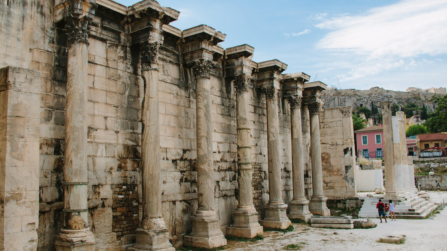 Ancient temple's façade in central Athens | © mariadelajuana / Flickr