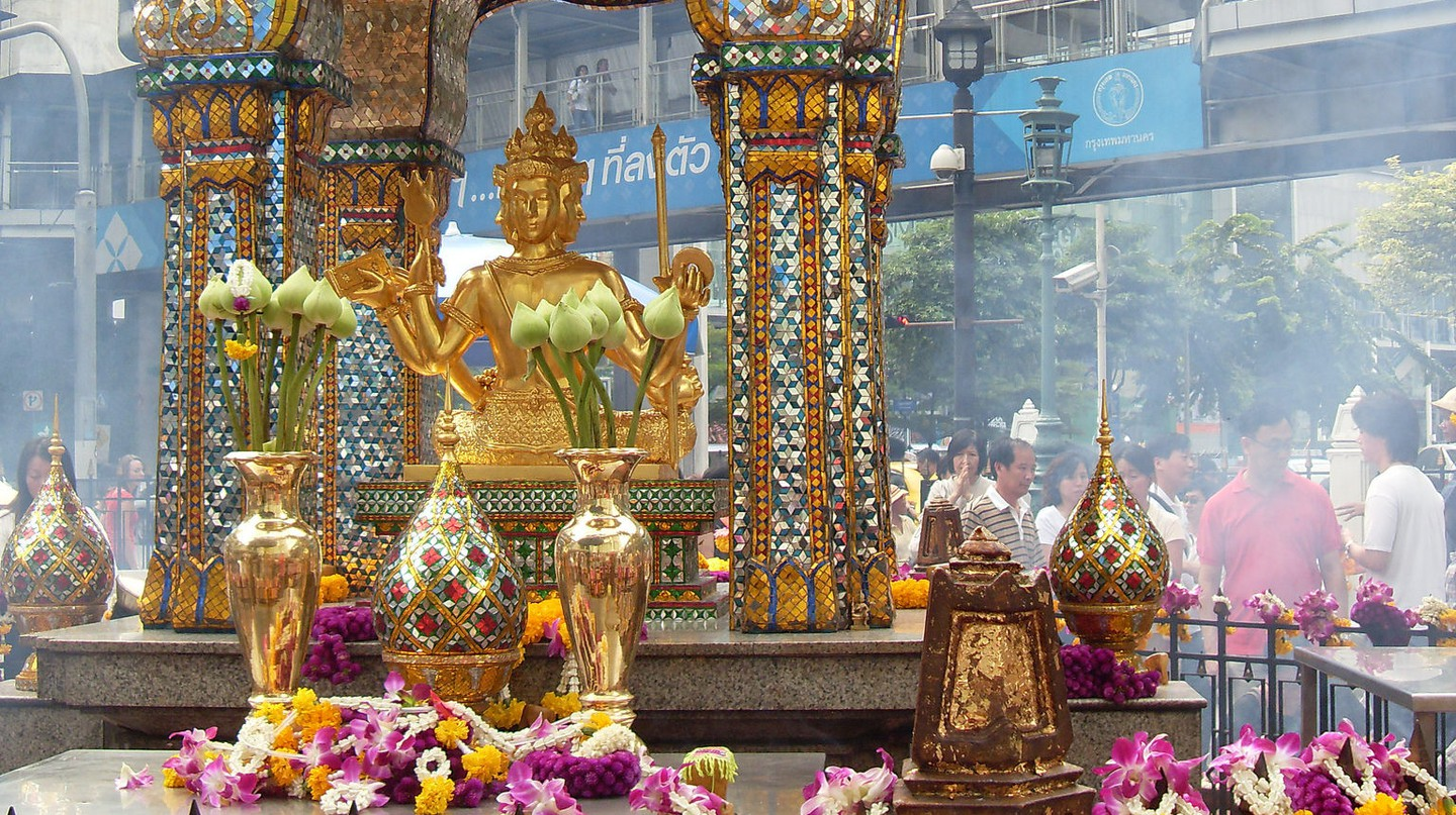 Erawan Shrine, Bangkok  | © Genke Kenny Hans / Flickr