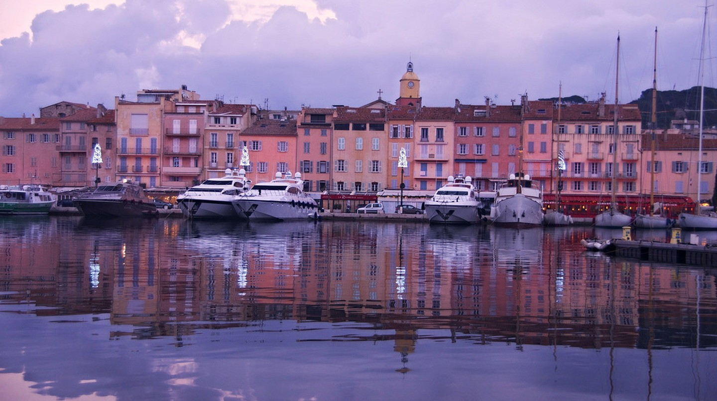 The old port of St Tropez is a wonderful place to while away an afternoon | © nicolas vasse/Flickr