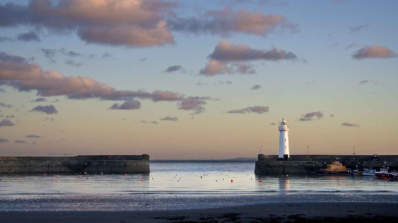 Sunrise at Donaghadee   © Paisley Scotland/ Flickr