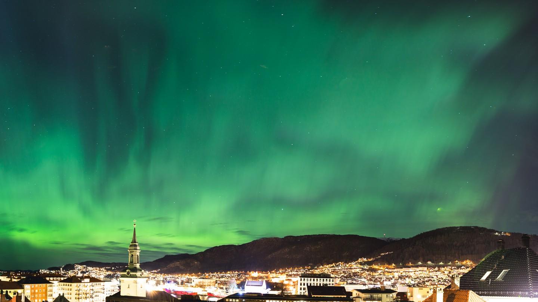 Northern lights in Bergen |  © Sindre Skrede / Flickr