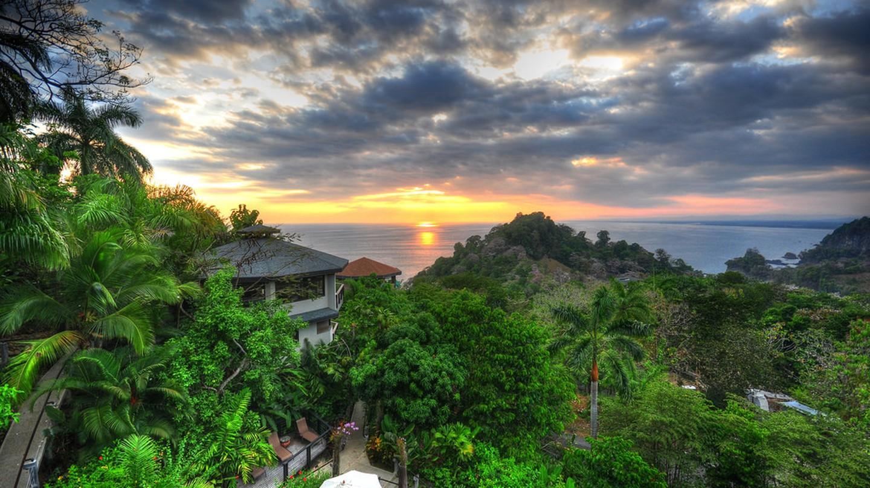 HDR Sunset, Costa Rica | © kansasphoto/Flickr