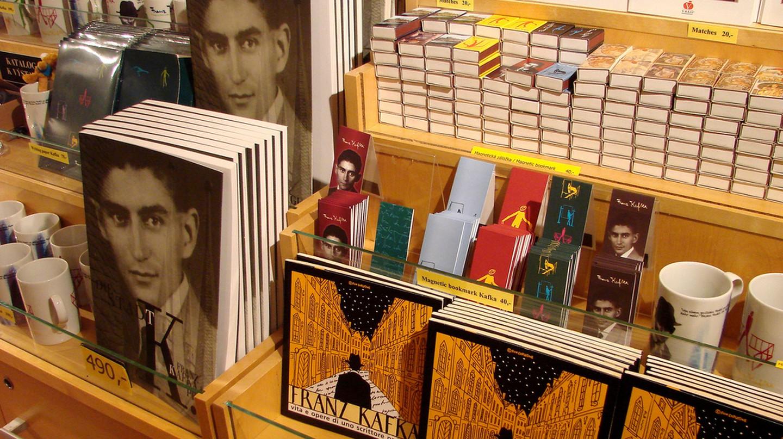 Books for sale in Prague |©Adam Jones / Flickr