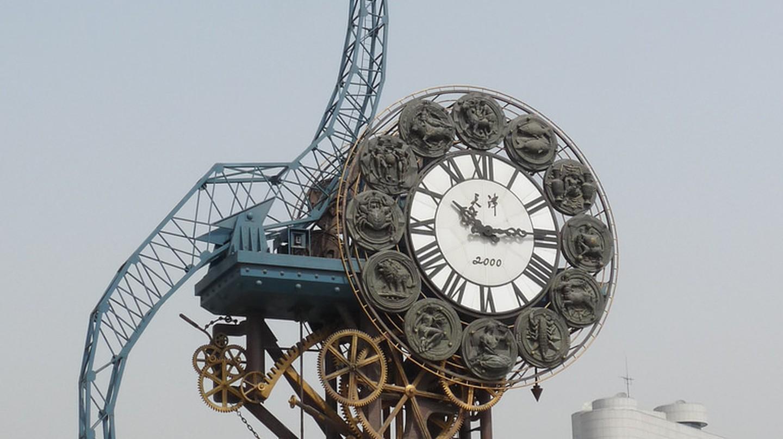 "<a href=""https://www.flickr.com/photos/santangelo-jon/4527931559""> Century Clock Tianjin | © Jon Santangelo/Flickr</a>"