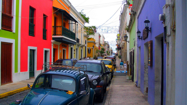 Colorful buildings in an Old San Juan street | © Bogdan Migulski/ Flickr