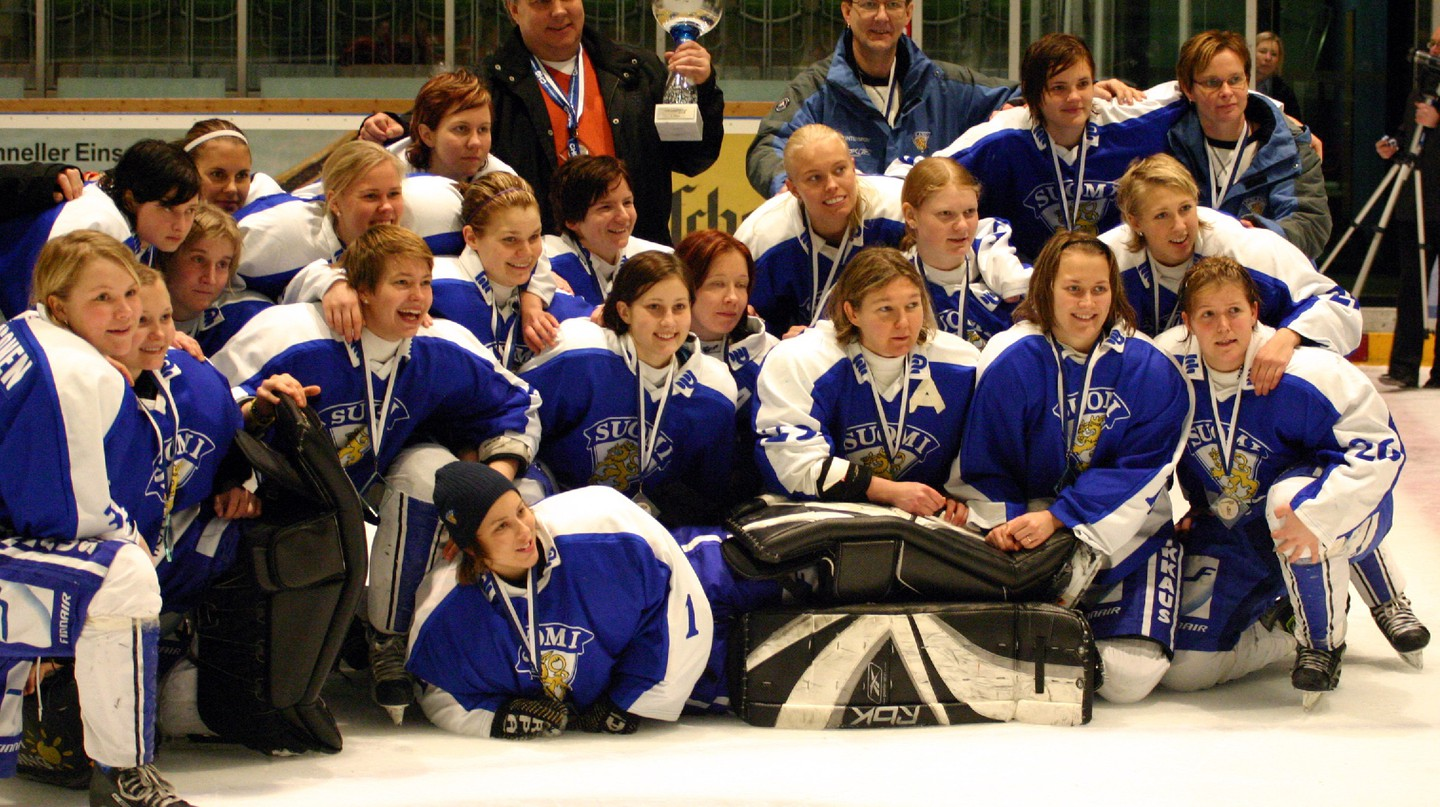 The Finland National Women's Ice Hockey Team/ Wikicommons