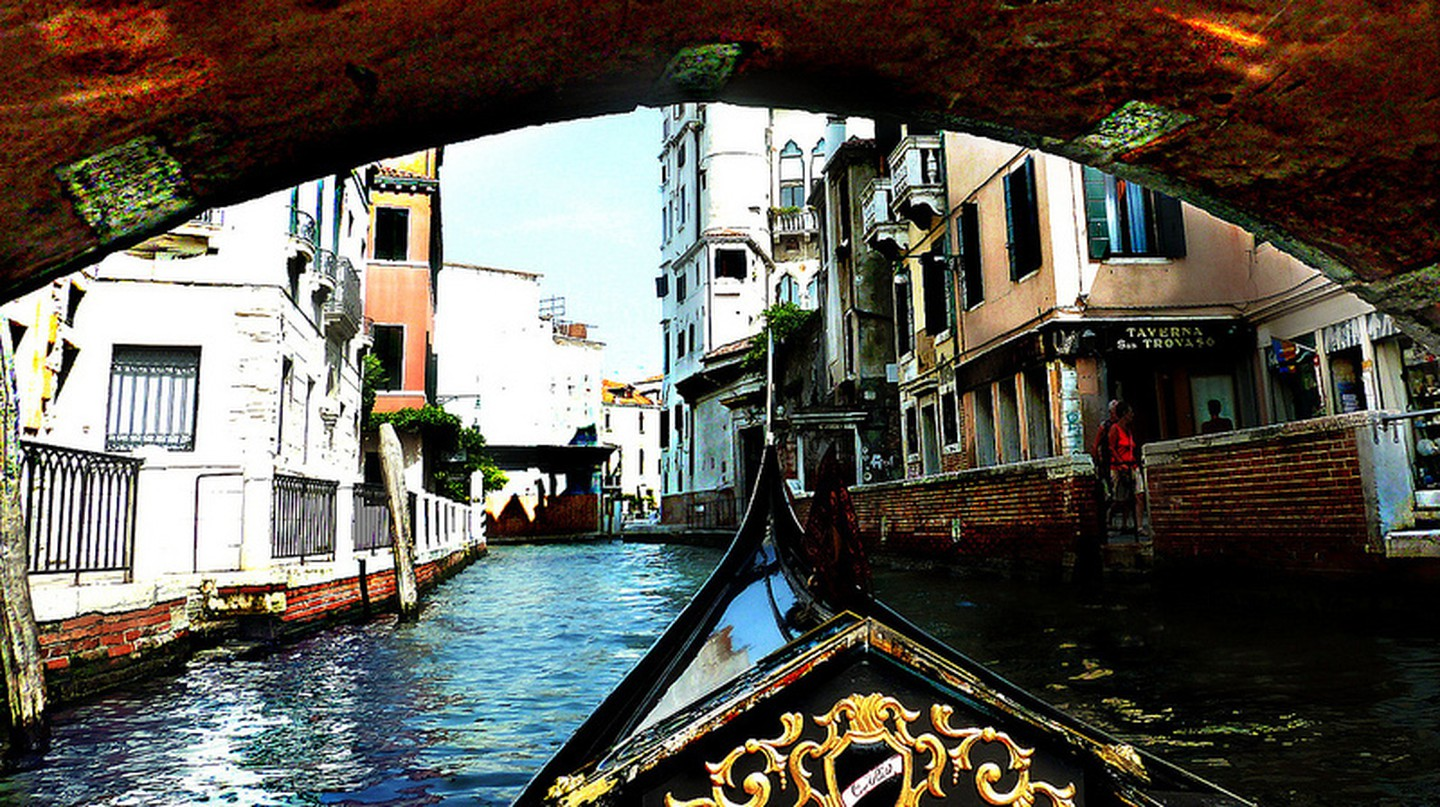 Gondola ride | pyride/Flickr