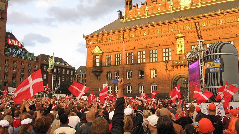 Crowd Denmark | © Felix Andrews (Floybix) / Wikimedia