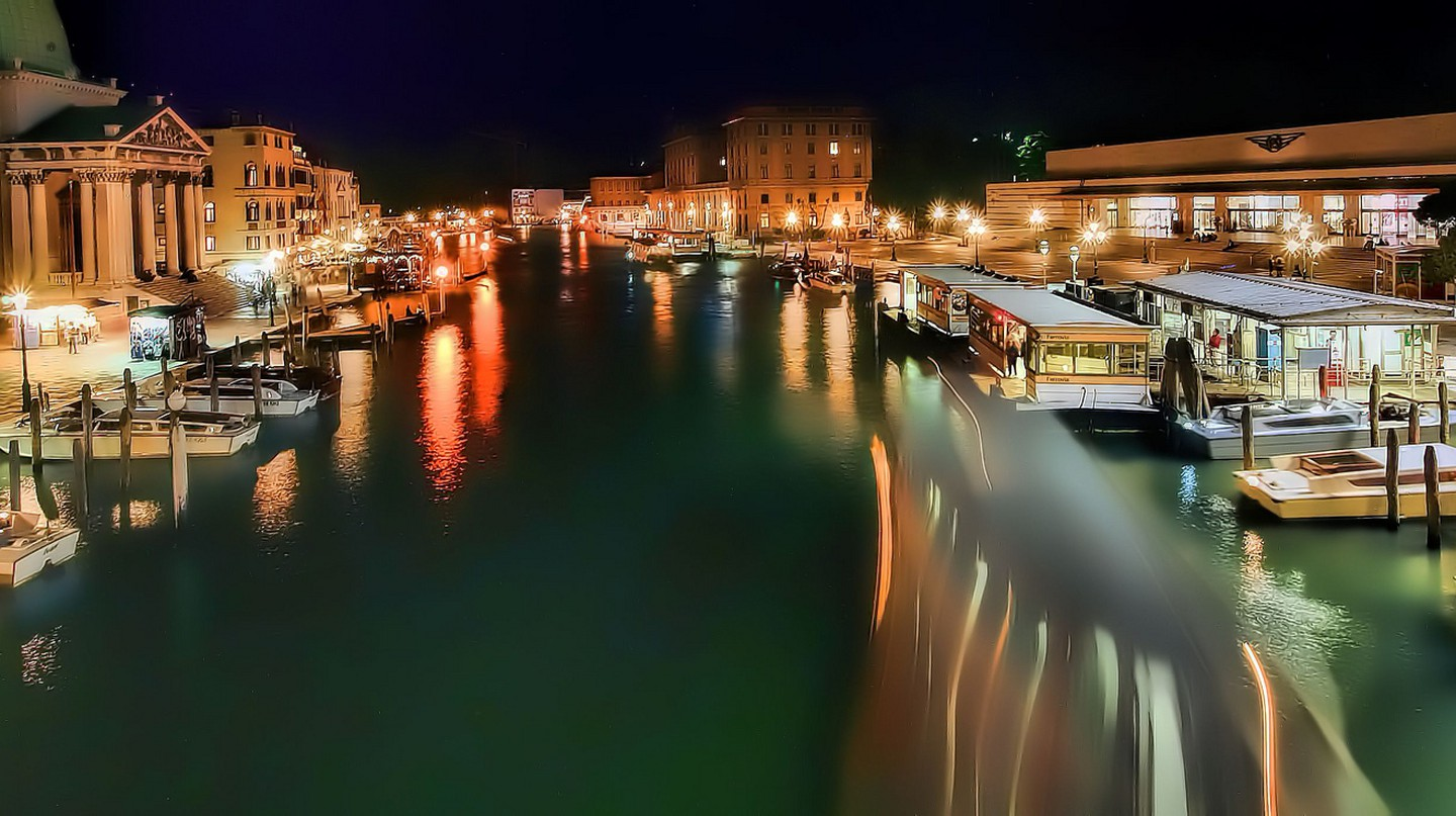 Venice at night | oliver_clarke/Flickr