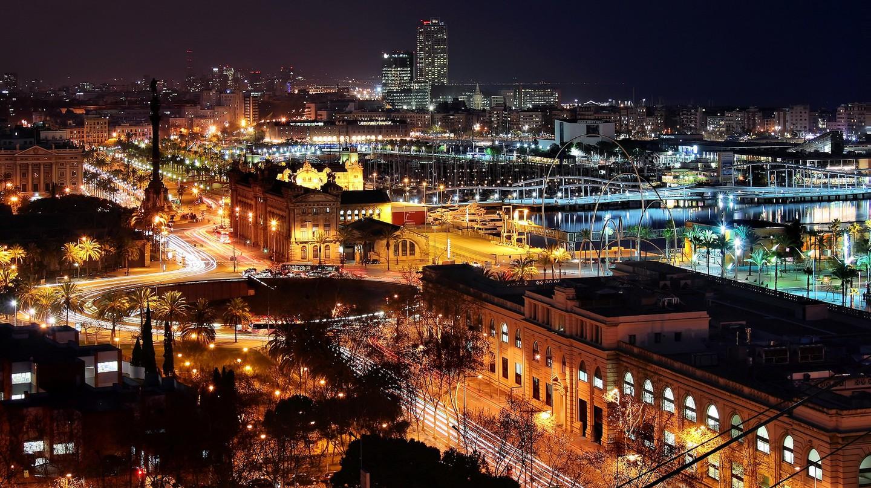 Barcelona at night | © Jorge Franganillo / Flickr