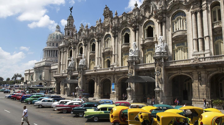 "<a href=""https://www.flickr.com/photos/eric81/9598064470/"">Paseo del Prado, Havana | © Eric Borda / Flickr</a>"