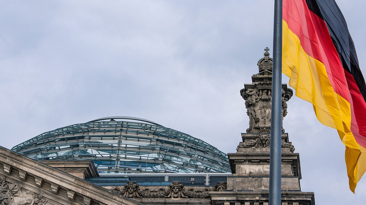 Visit the dome of the Reichstag Building in Berlin for spectacular views across the city | © Flotty/Pixabay