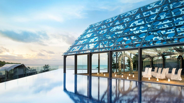 Best Rooftop Pools in Bali | Courtesy of Le Méridien Bali Jimbaran