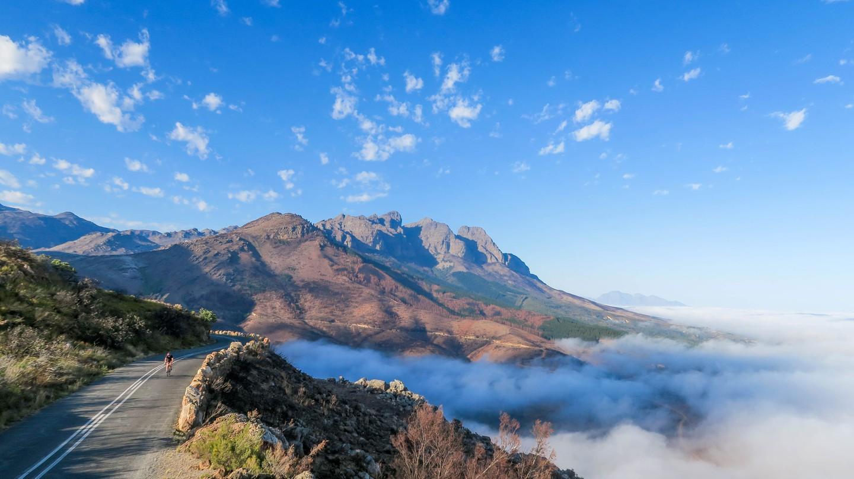 Mountains and mist | © Kevin Benkenstein/Unsplash