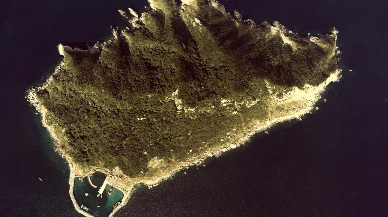 Okinoshima Island in Fukuoka-ken   © Ministry of Land, Infrastructure, Transport and Tourism - MILT Japan/Wikimedia Commons