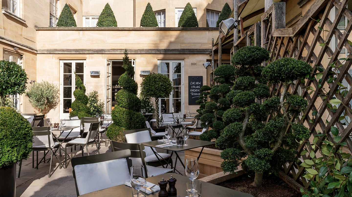 Terrace | © Courtesy of Old Bank Hotel