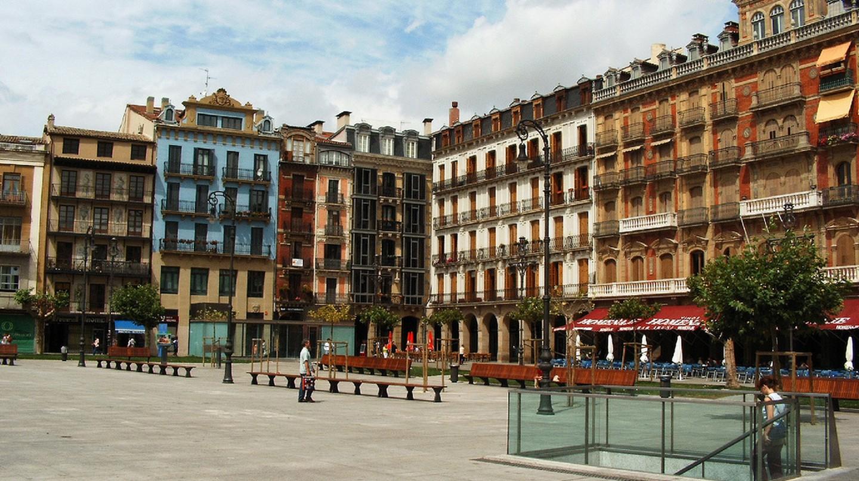 Pamplona Plaza Castillo © Jule_Berlin / Wikimedia Commons