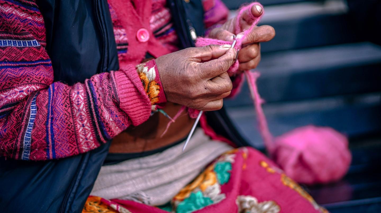 Weaving alpaca | © 312591 / Pexels