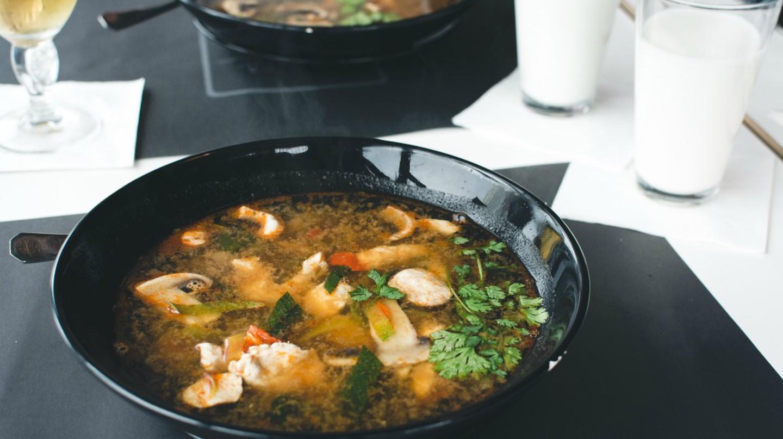 Thai Food | © Jakub Kapusnak / FoodiesFeed