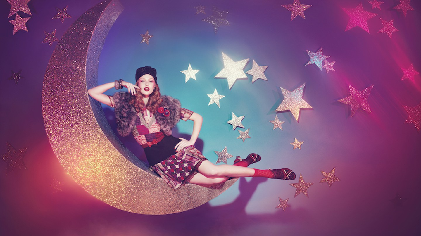 Paper Moon photograph by Sofía Sánchez and Mauro Mongiello for the Spring 2013 Isetan Mitsukoshi ad    Photograph by Sofía Sánchez and Mauro Mongiello