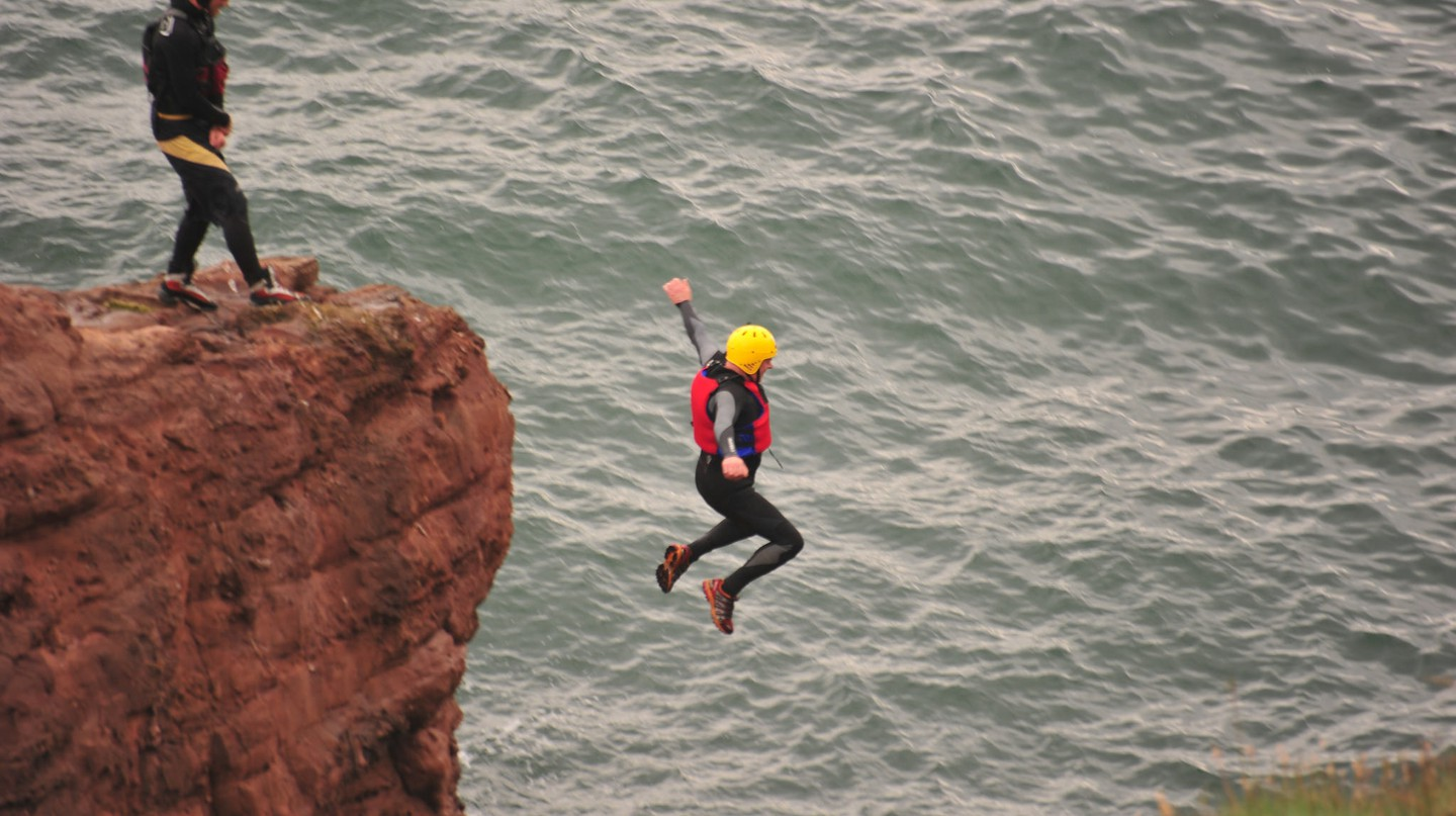 Coasteering at Arbroath | © Nick Birse/Flickr