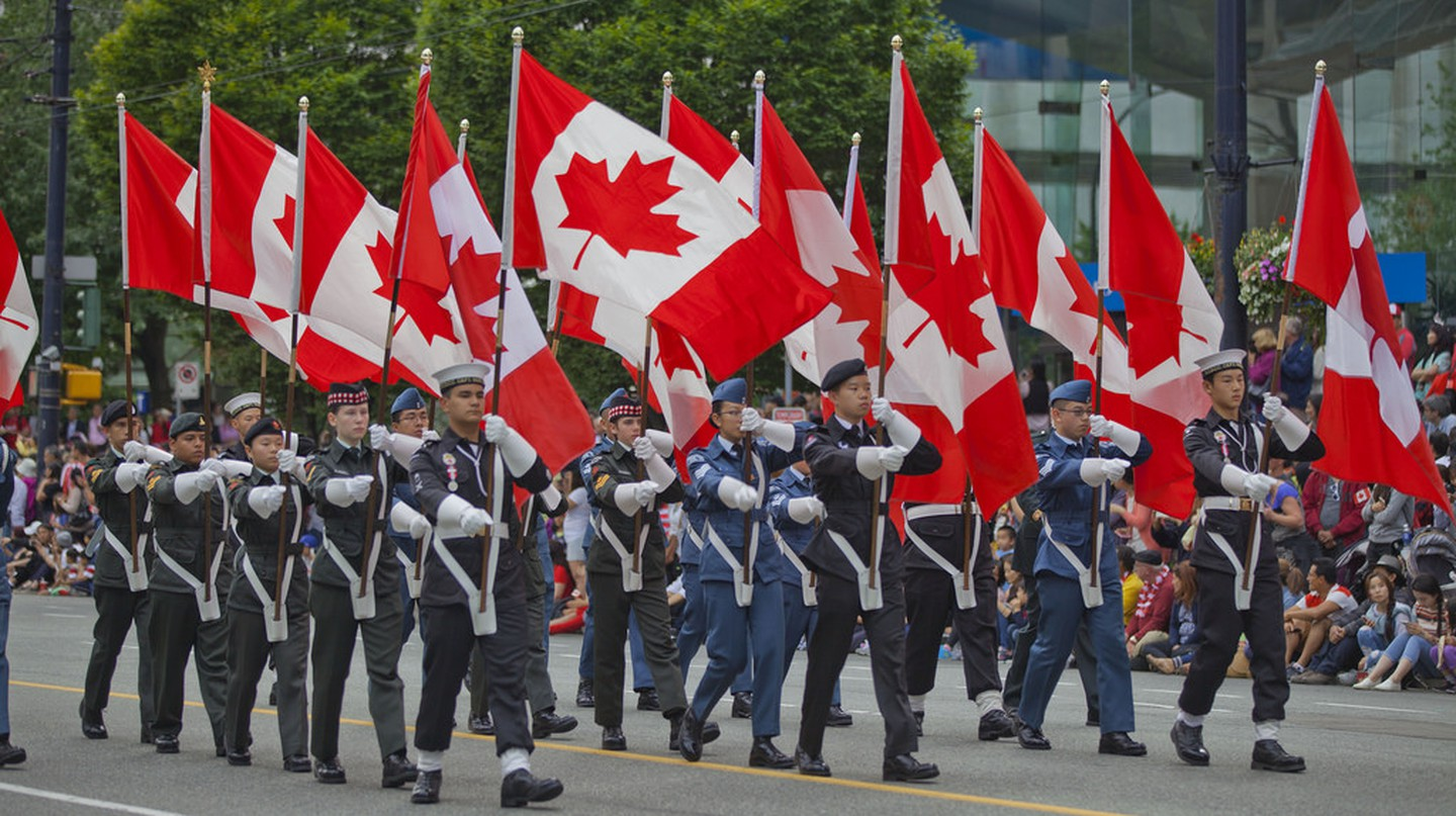 2016 Canada Day Parade  | © GoToVan / Flickr