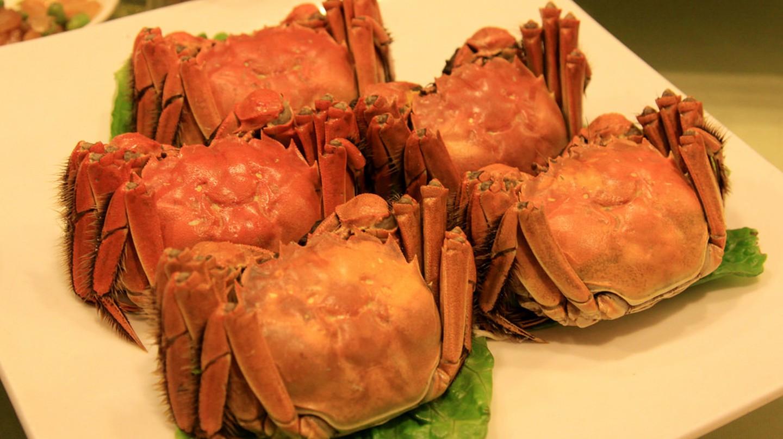 "<a href=""https://www.flickr.com/photos/kentaroiemoto/4178989634/"">Steamed hairy crabs | © Kentaro IEMOTO/Flickr</a>"