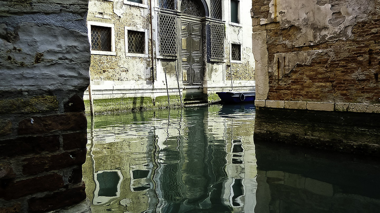 Venice reflected | juniorbonnerphotography/Flickr