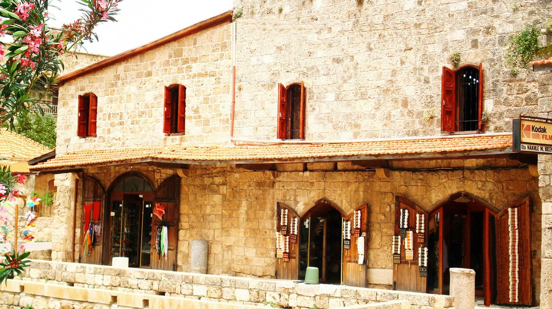 Stores, Old Souk Jbeil | © Nabiha Hajaig / Flickr