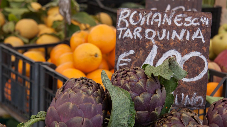 Fruits and vegetables in Campo de' Fiori | © sackton/Flickr
