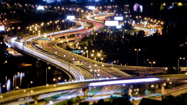 Night driving in Czech Republic  © Brad Hammonds / Flickr