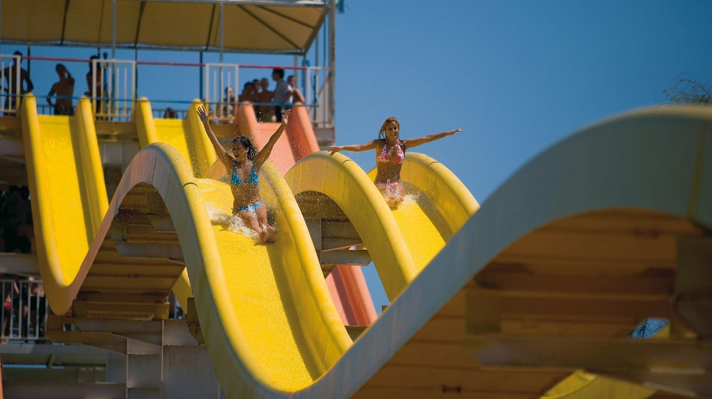 Aqualand © No Frills Excursions / Flickr
