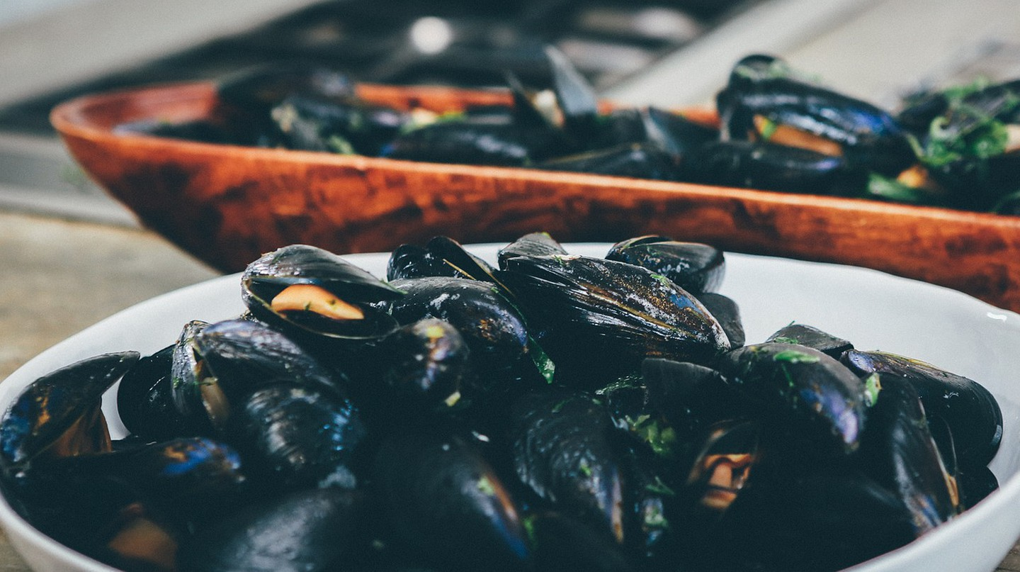 Mussels are a favourite in the Algarve and all over Portugal. © Pixabay