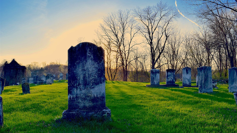 Cemetery Sunset | © bones64 / Pixabay